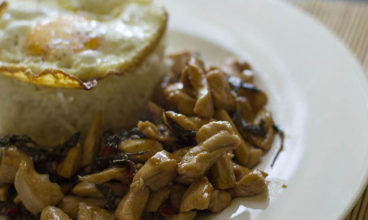 Poulet au basilic – Kaprao Gai ผัดกระเพราไก่